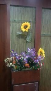 floral-arrangement-at-entrance